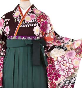 女優の有村架純さんとコラボした、綺麗!卒業式の袴レンタル、振袖レンタルを集めてご紹介しています。