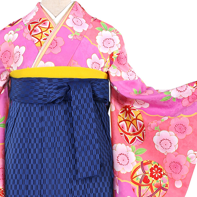 トールサイズ、身長170cmの3Lサイズの卒業式袴レンタルの中でも、紺の袴でコーディネートされたフルセット一式レンタルをピックアップしています。トールサイズ卒業袴レンタル0692の3L